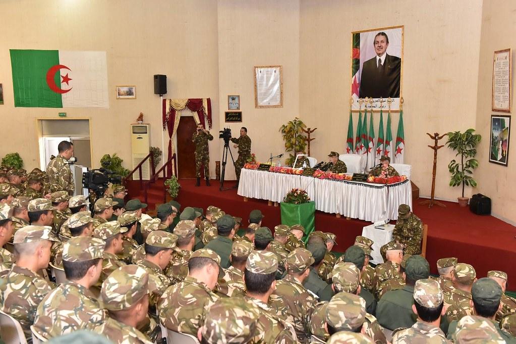 الجزائر : صلاحيات نائب وزير الدفاع الوطني - صفحة 6 30827794331_d59e772f92_b