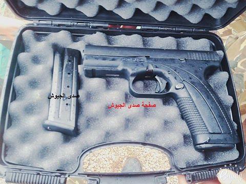 """تصنيع أول مسدس """"كركال"""" بالجزائر في 2014 - صفحة 2 31346949731_c25243d8e9_b"""