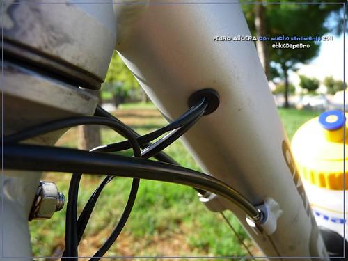 Bicicletas listas para hacer el Camino 5991535429_82847c4fd2