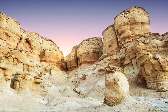 جبل القارة ... أعجوبة لم تستثمر سياحيا 6346320889_4c9073c5b0_z