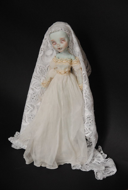(MH custo) Ma dame blanche par Esthy p3 6302143000_ab5290eda2_z
