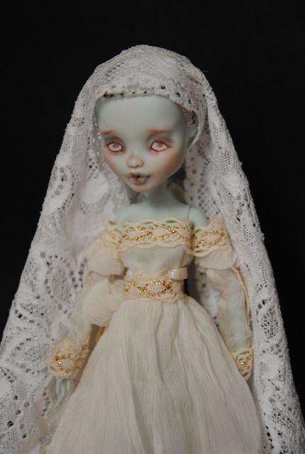 (MH custo) Ma dame blanche par Esthy p3 6301621889_6c3d93ec70_z