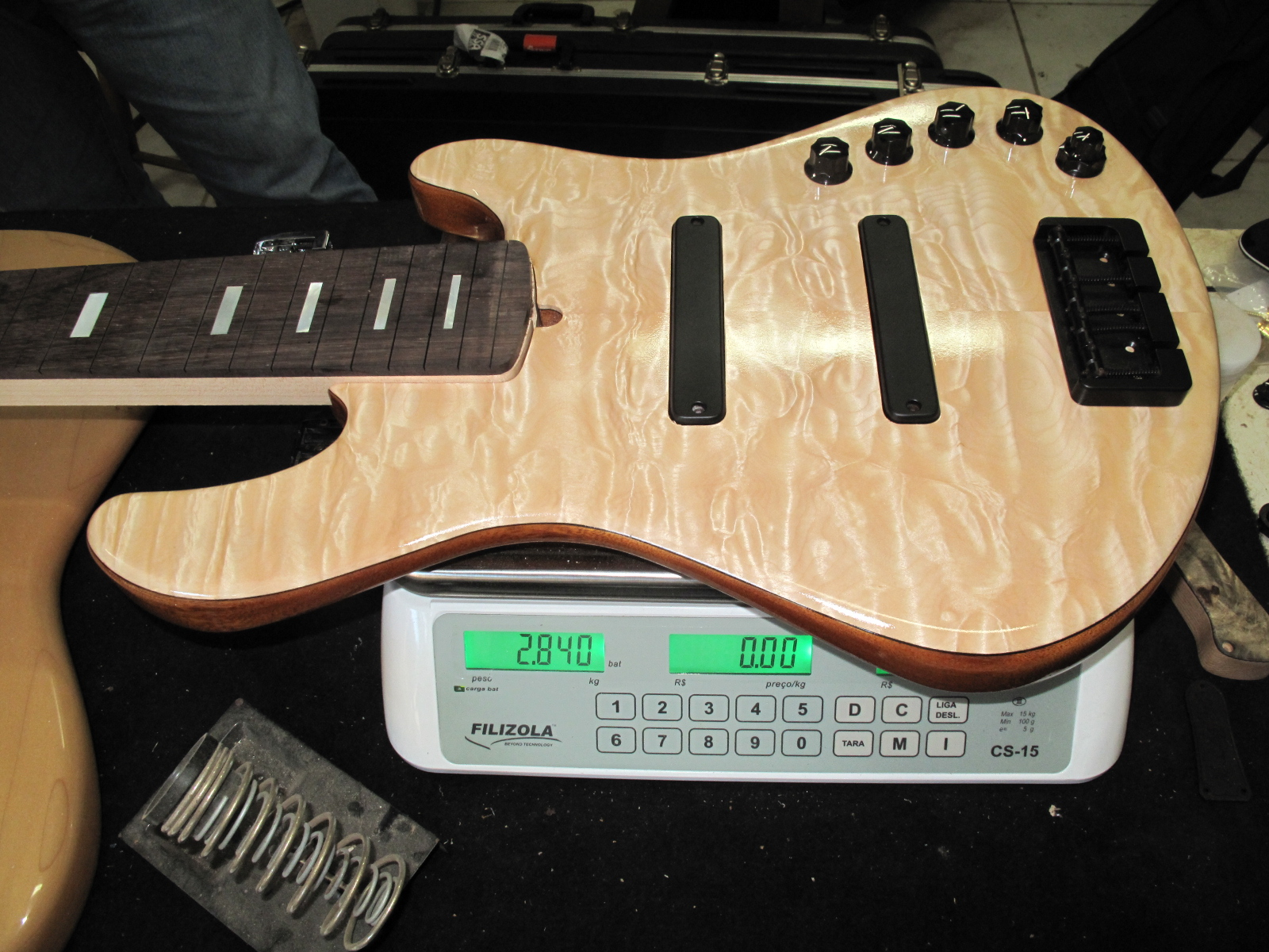 Jazz Bass Custom 5 - M Laghus - Página 2 5941694256_f4a88d3ec6_o