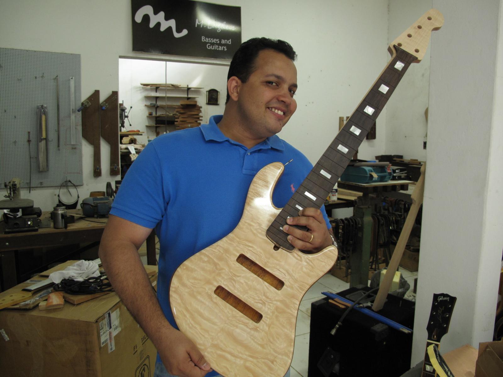 Jazz Bass Custom 5 - M Laghus - Página 2 5941692476_600c27451c_o