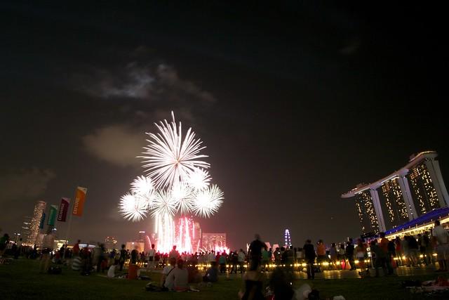 Fireworks 2011 5992918947_a5e6ba8603_z