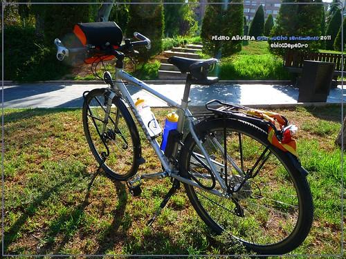 Bicicletas listas para hacer el Camino 5991575101_c6dcfa3226
