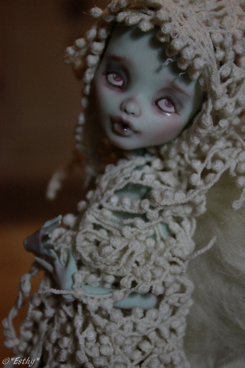 Monster High repaint [Burlesque p.4] - Page 2 6033437832_9d9aebd365_b