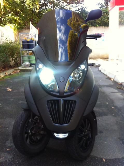 Le MP3 400 LT Sport noir mat de jerome_bachata 6283070924_65487ca784_z