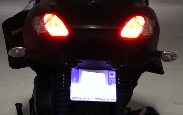 Le MP3 400 LT Sport noir mat de jerome_bachata 6343180343_b4788a5ce1_z