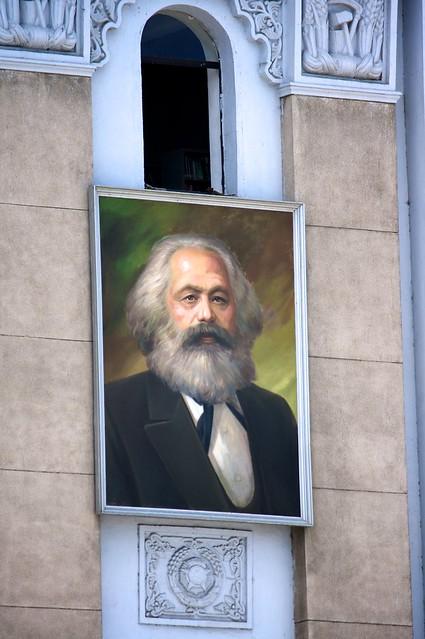 Los retratos de Marx y Lenin serán retirados de la Plaza Kim Il Sung - Página 2 6134532889_83cbb85b06_z