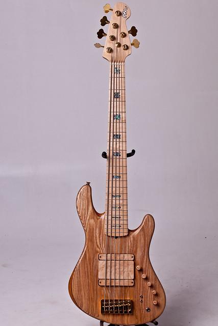 Mostre o mais belo Jazz Bass que você já viu - Página 6 6882245161_00e43ca529_z