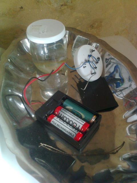 Purification / Désinfection de l'eau par Electrolyse : synthèse d'hypochlorite - javel 6774291214_2e805eccbe_z