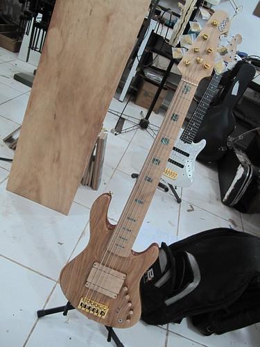 Mostre o mais belo Jazz Bass que você já viu - Página 6 6877410323_3e9ea67da4
