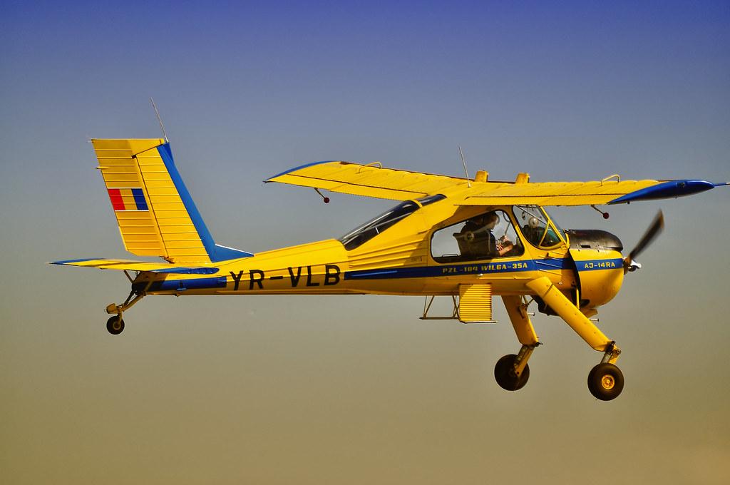 Cluj Napoca Airshow - 5 mai 2012 - Poze - Pagina 2 7163599881_22013fbde9_b