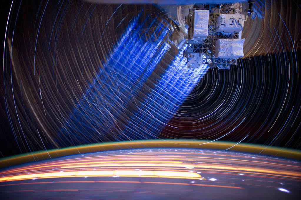 "[ISS] ""ISS star trails"" 7257867240_9a86ce77be_b"