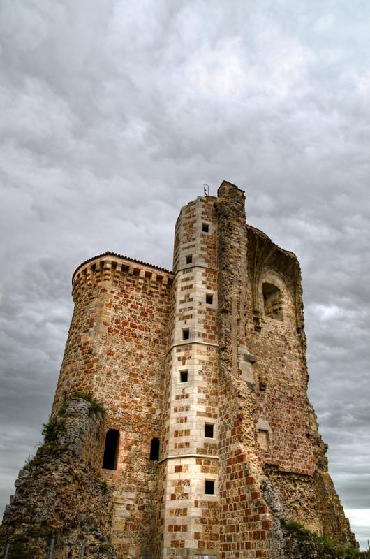 tour du château en ruines de Hérisson... 7242042490_4ebf827ec5_c
