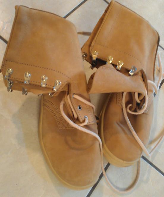 Ukrainian desert boots 7218401410_81c95d4b5d_b
