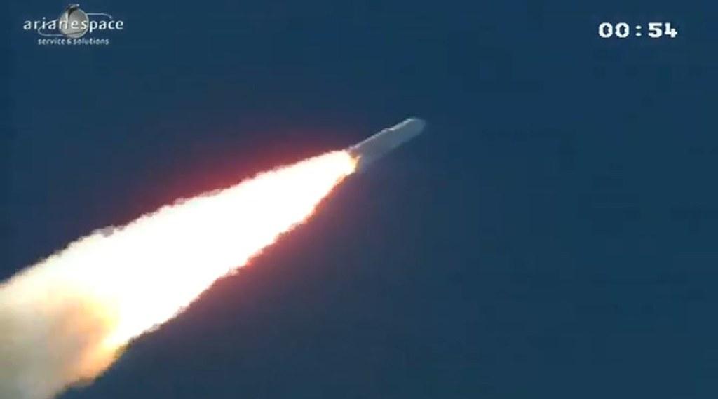 Lancement Ariane 5 ECA VA208 / INTELSAT 20 & HYLAS 2  (02.08.2012) - Page 2 7700278268_2cc4bc4b0d_b