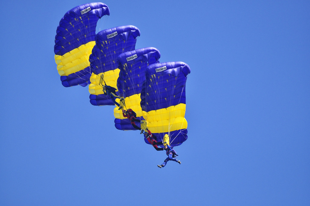Cluj Napoca Airshow - 5 mai 2012 - Poze - Pagina 2 7002523822_98c40535bd_b