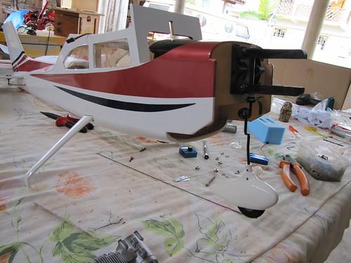 Montagem do Cesna 40 The World Models 7592159616_f9137efd8e