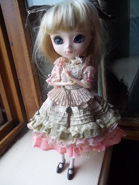 Mes dolls (pullip, taeyang, J-doll, classmate...) 6569024197_b85c7201a5_z