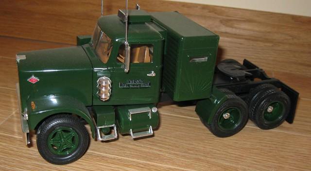 Wolf truck sur base de Diamond Reo AMT au 1/25 6532361313_1ed7fbbea6_z