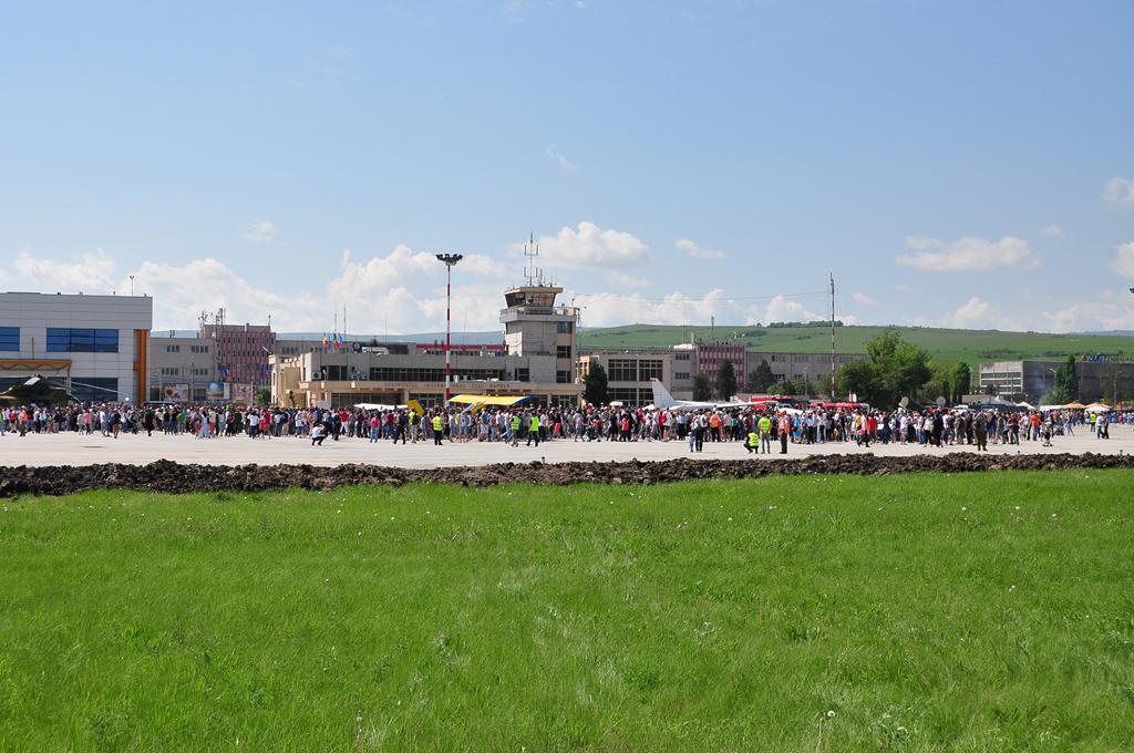 Cluj Napoca Airshow - 5 mai 2012 - Poze - Pagina 2 7153647719_14f2c2c4a8_o