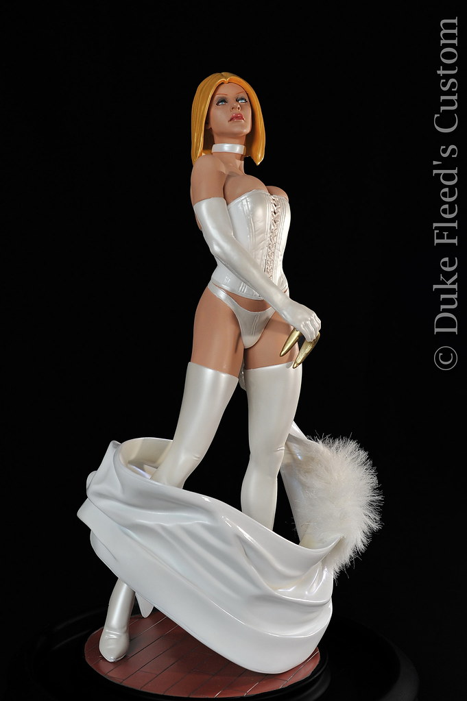From Black to White Queen Sideshow collectibles 6806164464_be5c0cdce1_b