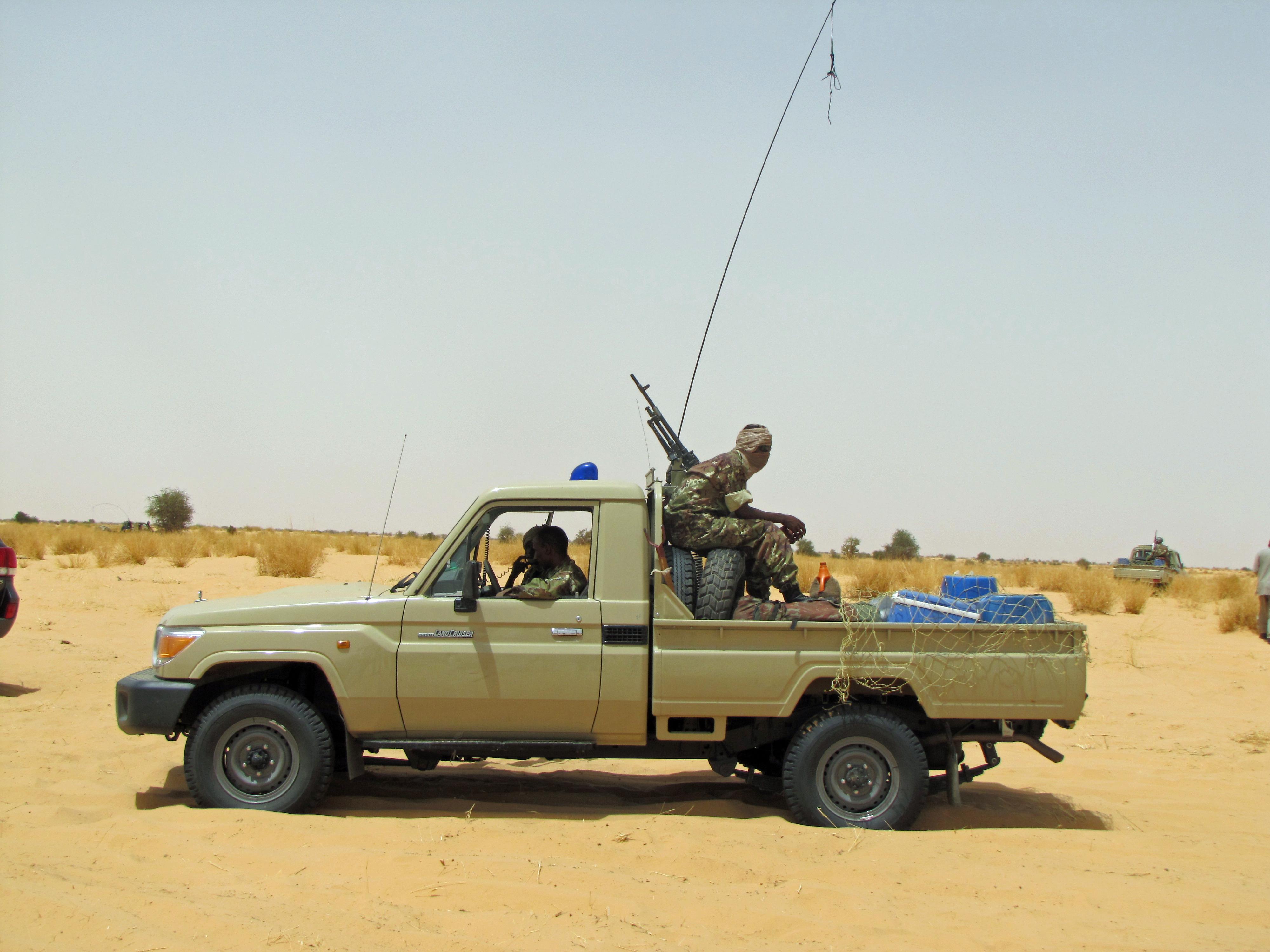 Armée Mauritanienne - Page 5 6836308320_20e3e89d81_o