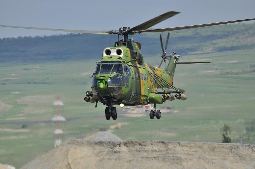 Cluj Napoca Airshow - 5 mai 2012 - Poze - Pagina 2 7148604313_f060370817_b