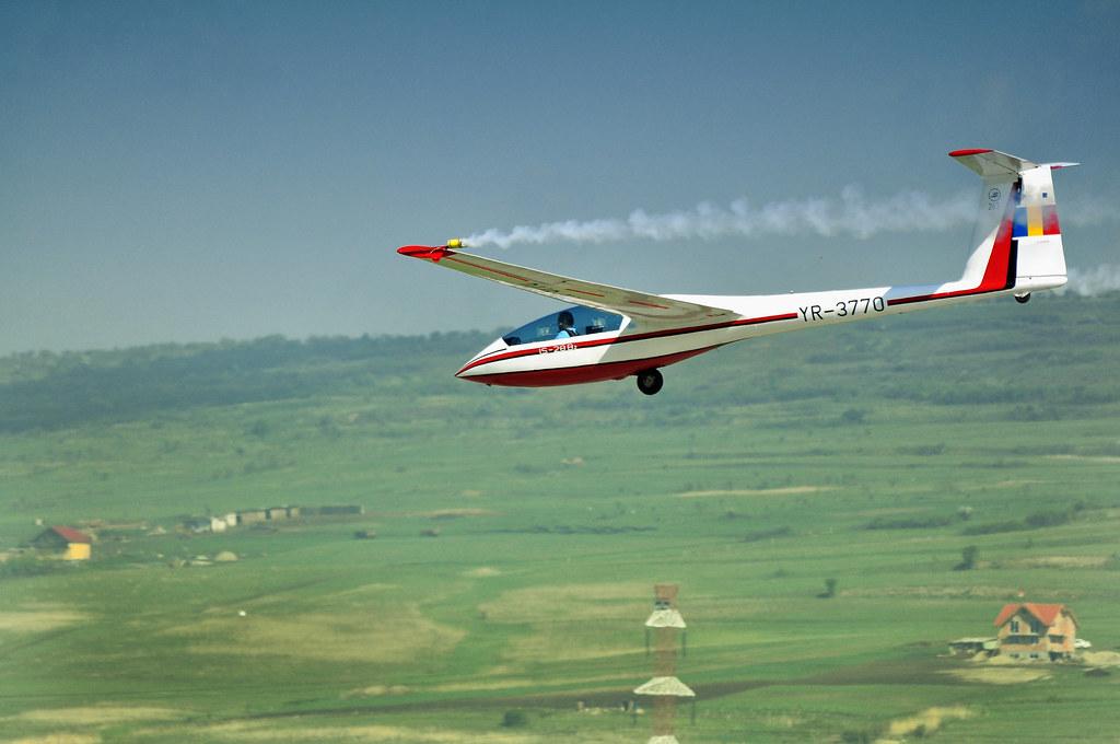 Cluj Napoca Airshow - 5 mai 2012 - Poze - Pagina 2 7163606397_70e5042d99_b