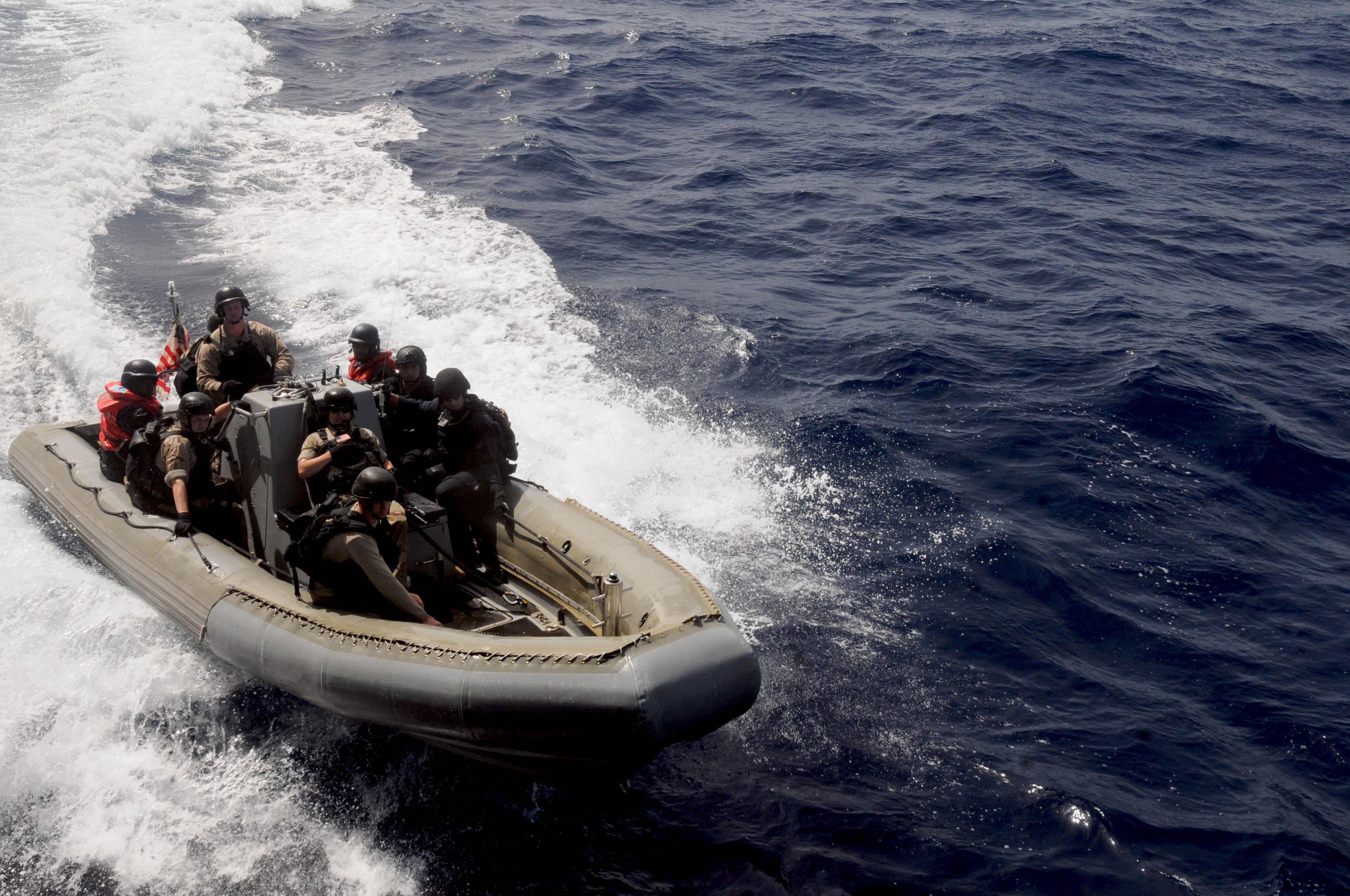 l'Armée du Cap-Vert / People's Revolutionary Armed Forces ( FARP ) 6963501258_90f1a6aff1_o