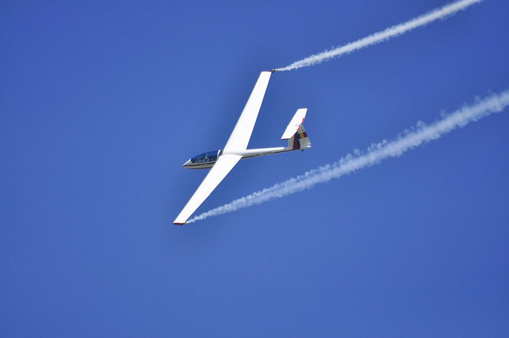 Cluj Napoca Airshow - 5 mai 2012 - Poze - Pagina 2 7002524166_c8ece53b77_b