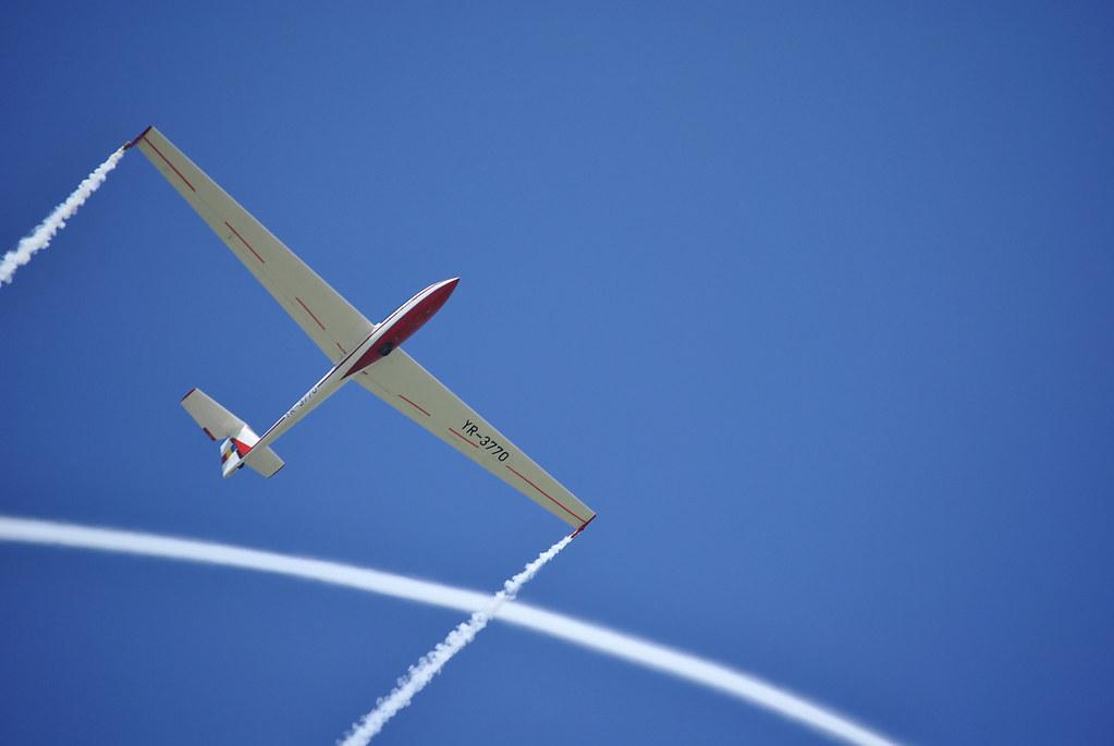 Cluj Napoca Airshow - 5 mai 2012 - Poze - Pagina 2 7155935850_ab3442c3ec_b