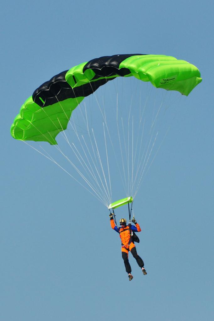 Cluj Napoca Airshow - 5 mai 2012 - Poze - Pagina 2 7153650529_1619da70ca_o