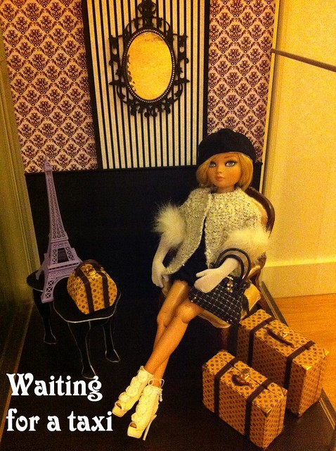 Waiting for a taxi - Essential Ellowyne four blonde 8753721897_eab128b886_z