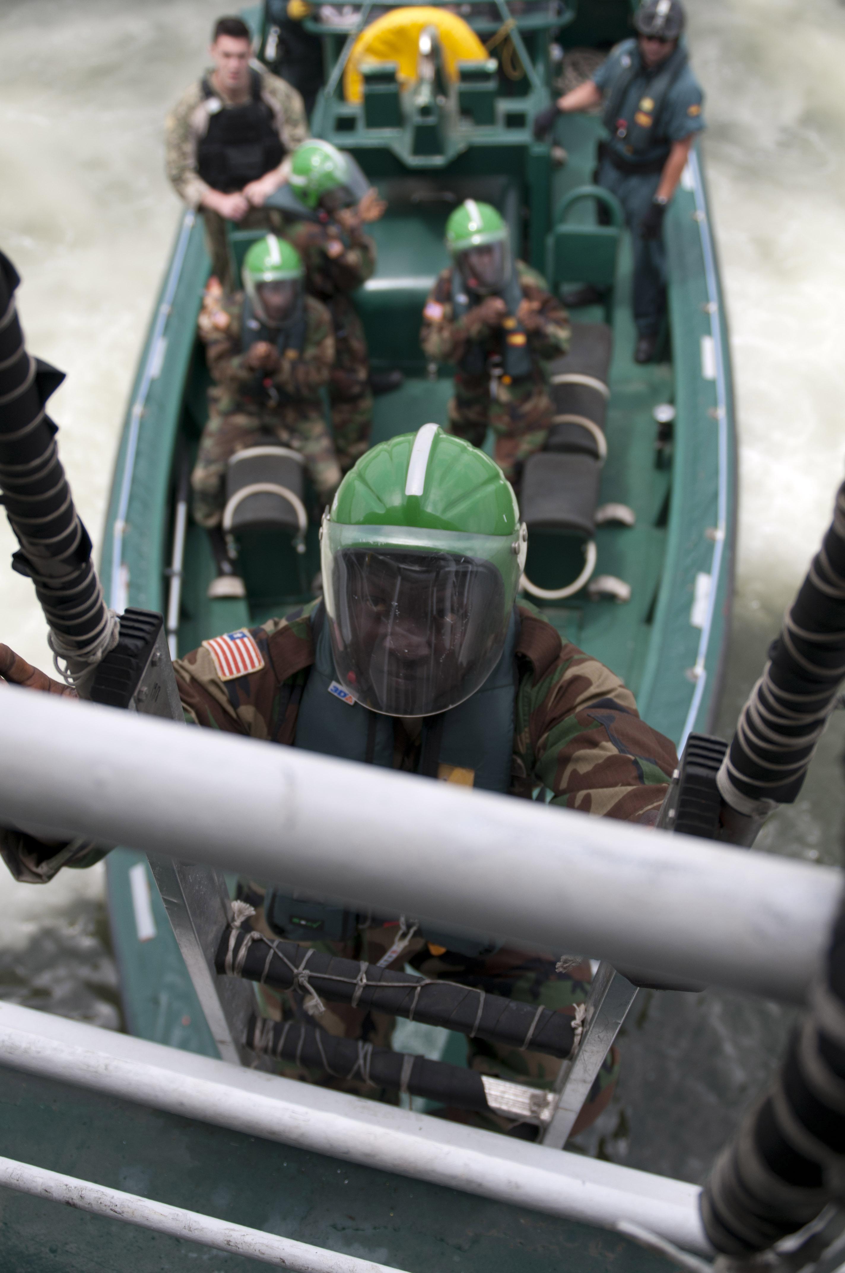 Les Forces Armées du Libéria / Armed Forces of Liberia ( AFL ) 13012553123_b077a9505b_o