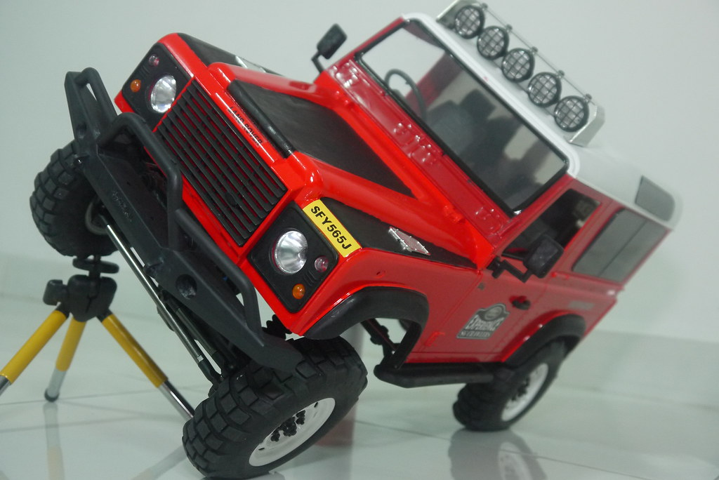 land - Babyboy's Land Rover Defender D90 on Axial SCX10 9407588217_93b5dc7787_b