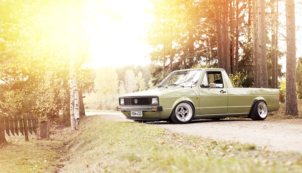 john_gleasy: Rauhakylä Low Lows: VW Caddy 1987 + Allu A6 9994946596_36fa4b0741_b