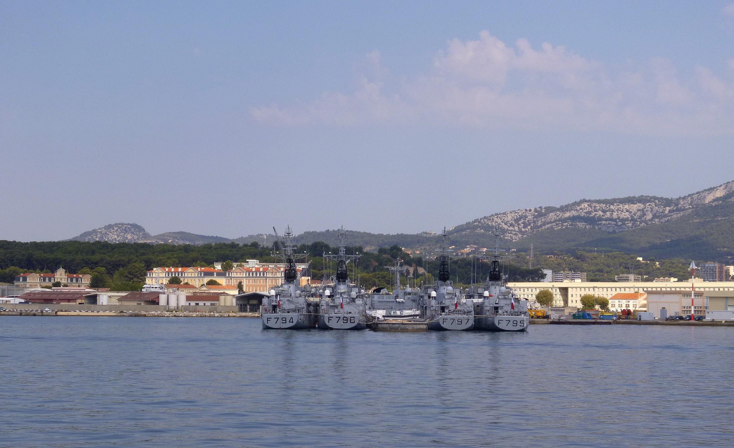 Les news en images du port de TOULON - Page 36 9565097198_8ceb392435_o