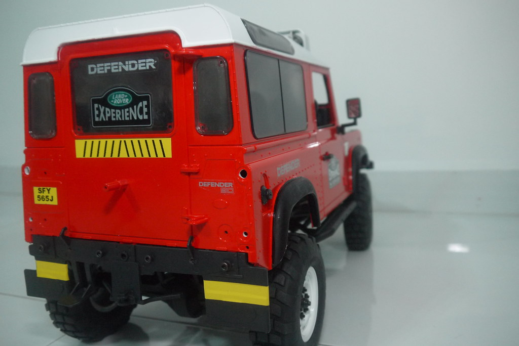land - Babyboy's Land Rover Defender D90 on Axial SCX10 9407592959_4defcfb549_b