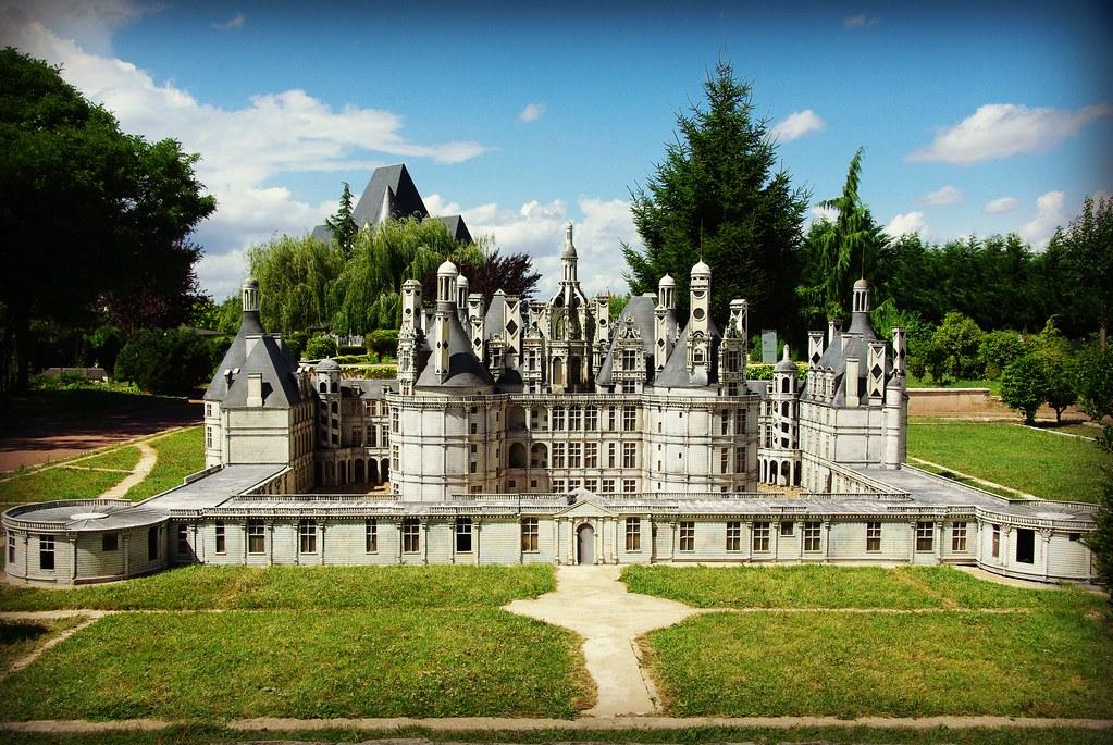 Sybil est venue en balade avec moi au parc des mini-châteaux .... 9398105967_6bfeeb5303_b