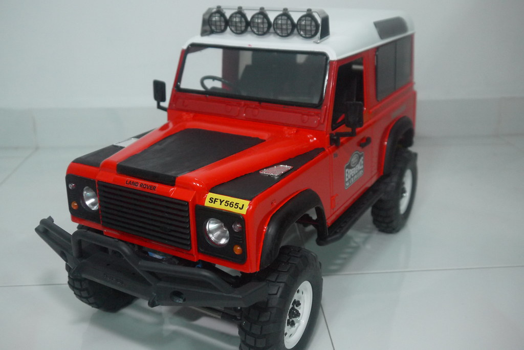 land - Babyboy's Land Rover Defender D90 on Axial SCX10 9410353406_a27eb068a9_b