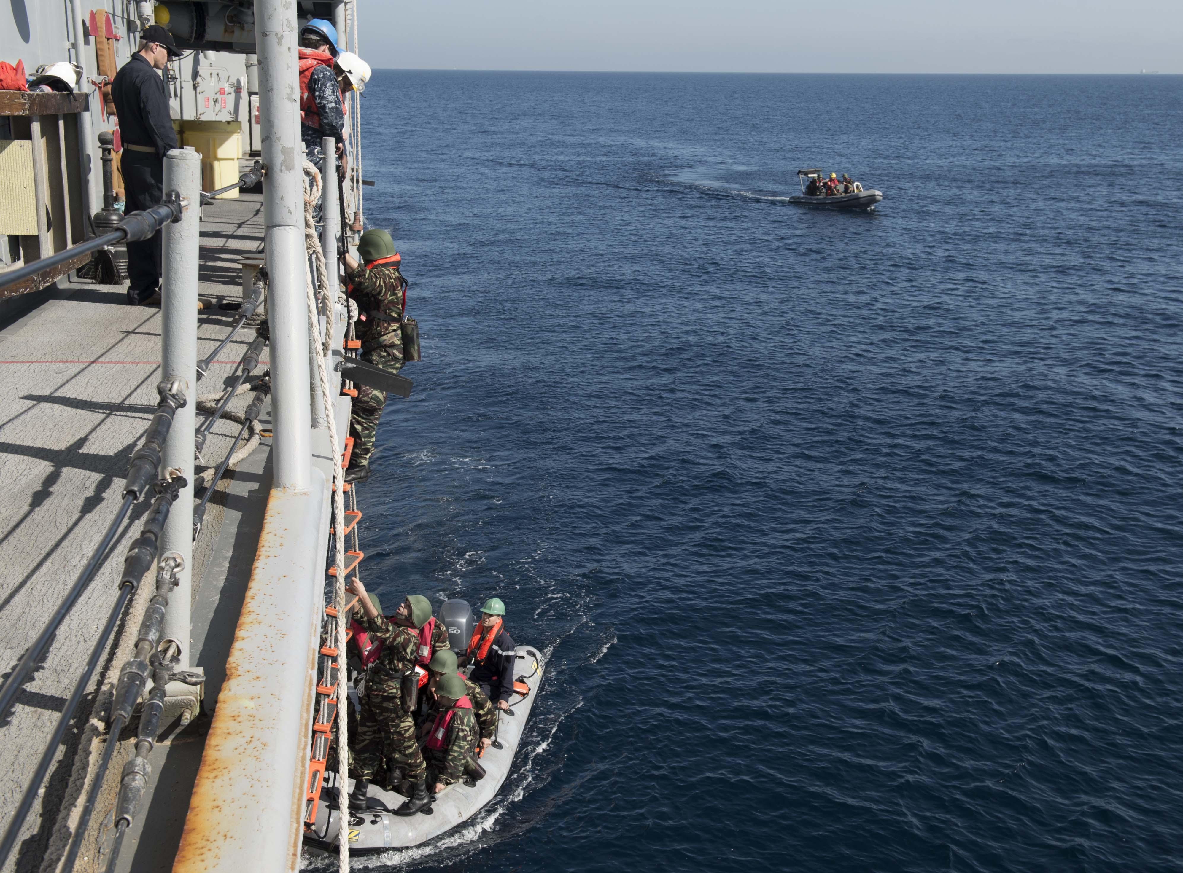 PASSEX 2014-1 ( USS Elrod (FFG55) et RMN Allal Ben Abdellah (615) ) 12363878433_5ff1898904_o