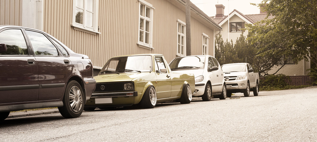 john_gleasy: Rauhakylä Low Lows: VW Caddy 1987 + Allu A6 9434825057_7e75f26f24_b
