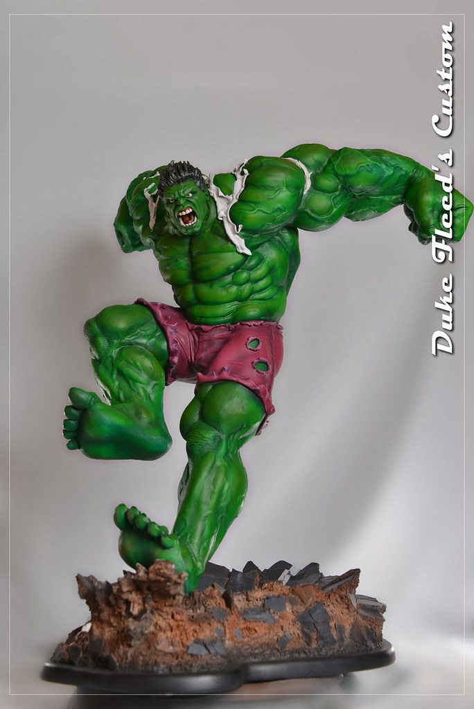 Red to green hulk comiquette 9765124703_8f9304ba0d_b