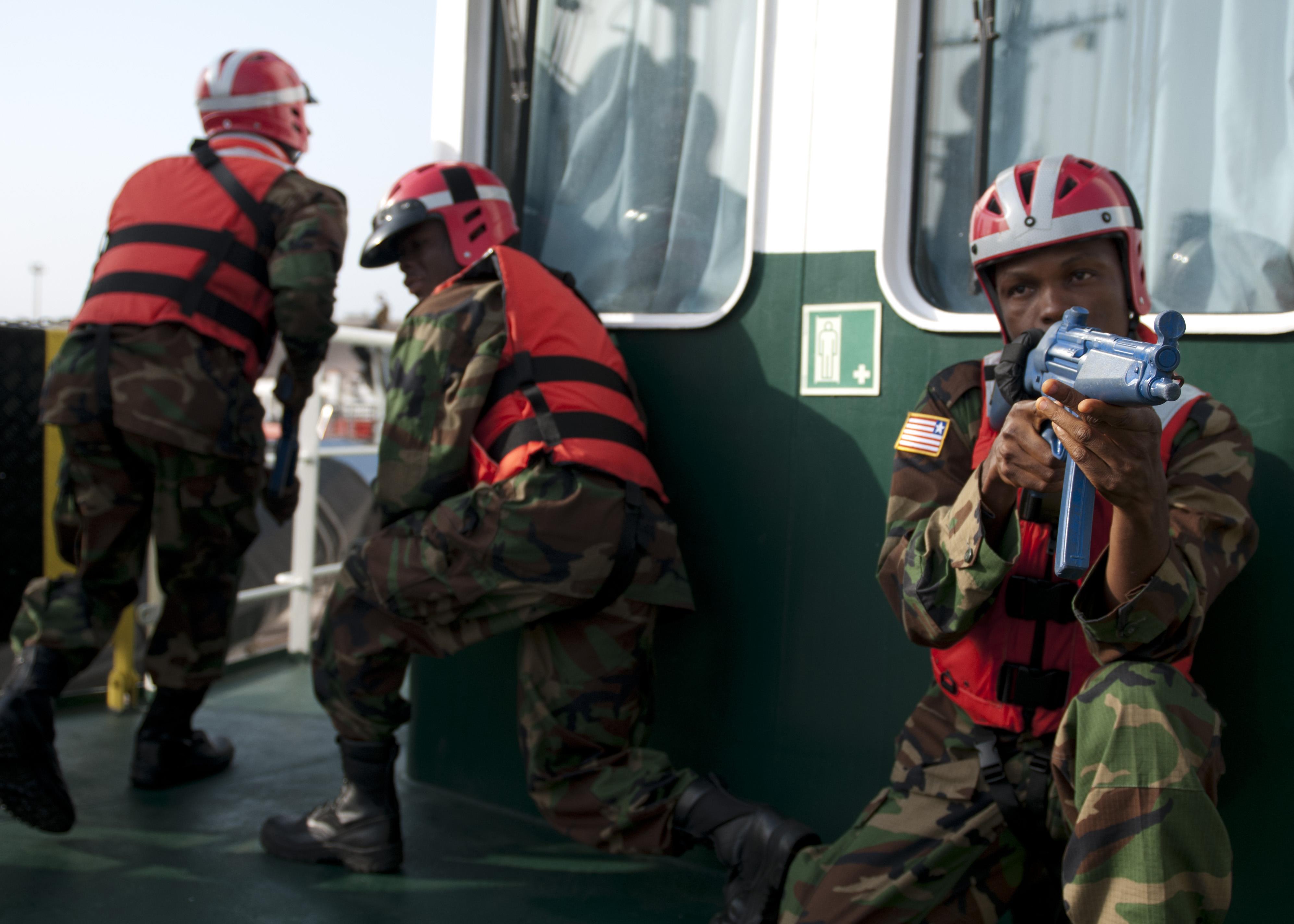 Les Forces Armées du Libéria / Armed Forces of Liberia ( AFL ) 13040637595_3ddd82a4b7_o