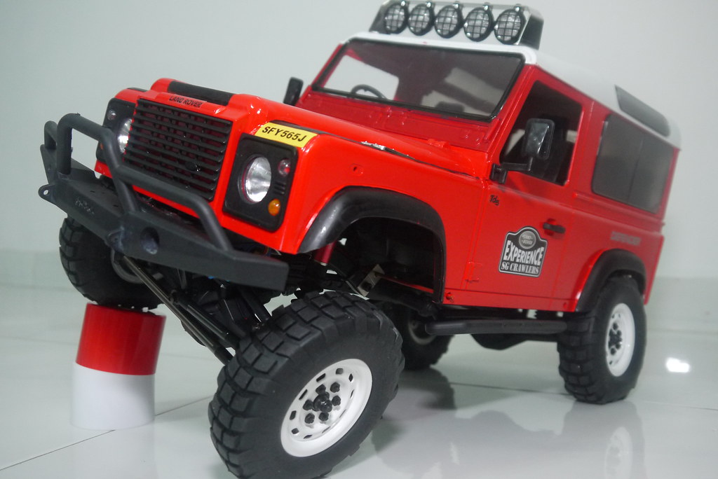 land - Babyboy's Land Rover Defender D90 on Axial SCX10 9407591493_34841a1614_b