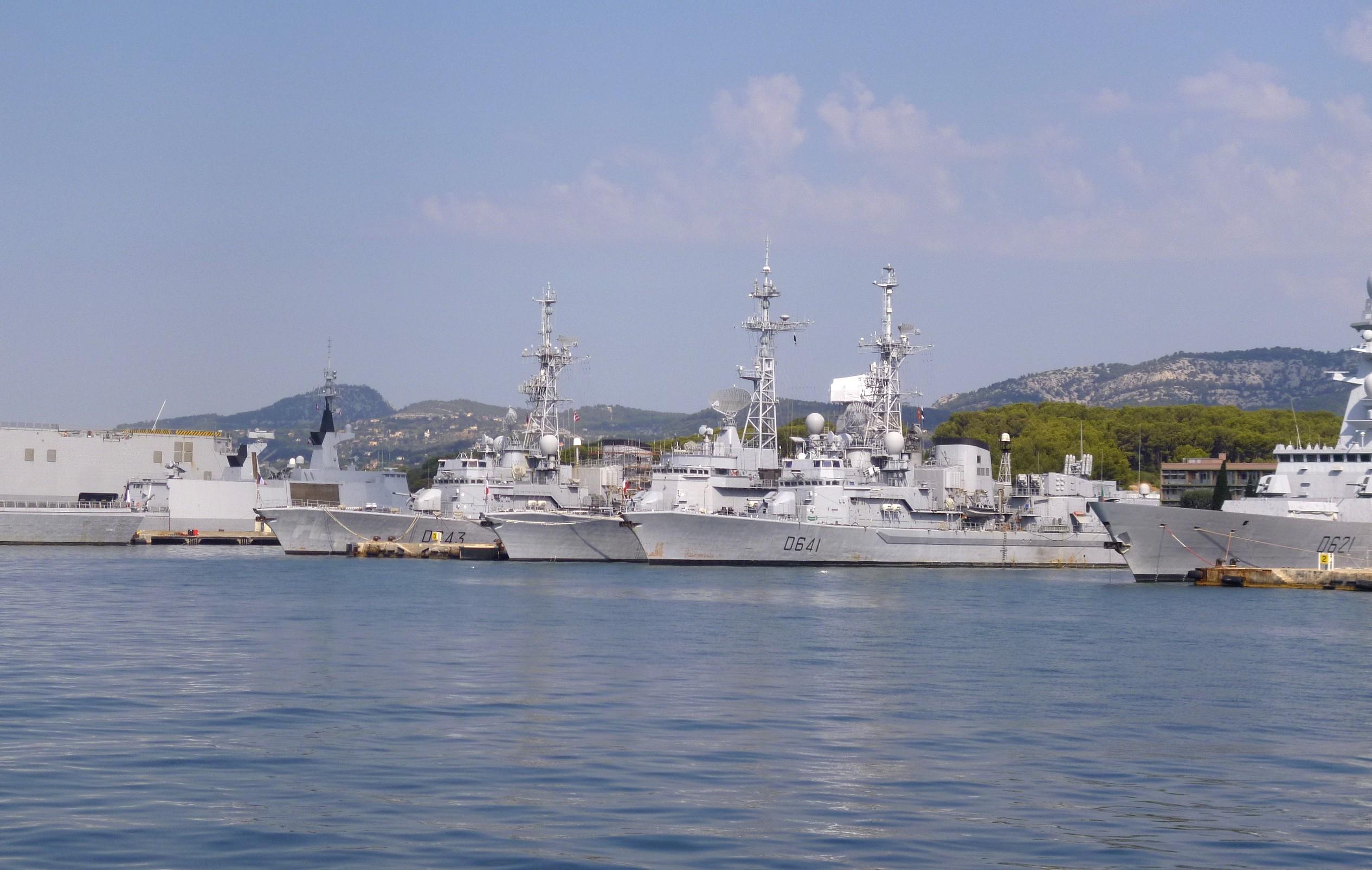 Les news en images du port de TOULON - Page 37 9565056598_6ab3a9e83d_o