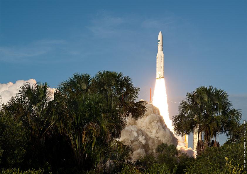 Lancement Ariane 5 ECA VA208 / INTELSAT 20 & HYLAS 2  (02.08.2012) - Page 3 7703213026_9d76f1357f_b
